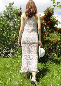 Feminine maxi dress is knitted with lovely Shetland lace motifs. It takes not much place in your travel luggage, is very light, and has a perfect & practical design for the hot summer – it leaves your shoulders free so you would not suffer from the heat too much. The floor-length design offers bohemian elegance. It's ideal for all your summer events – whether they're during the day of after dark (with a underlay). It looks wonderful with a bikini – you will get lots of admiring glances on a beach resort!