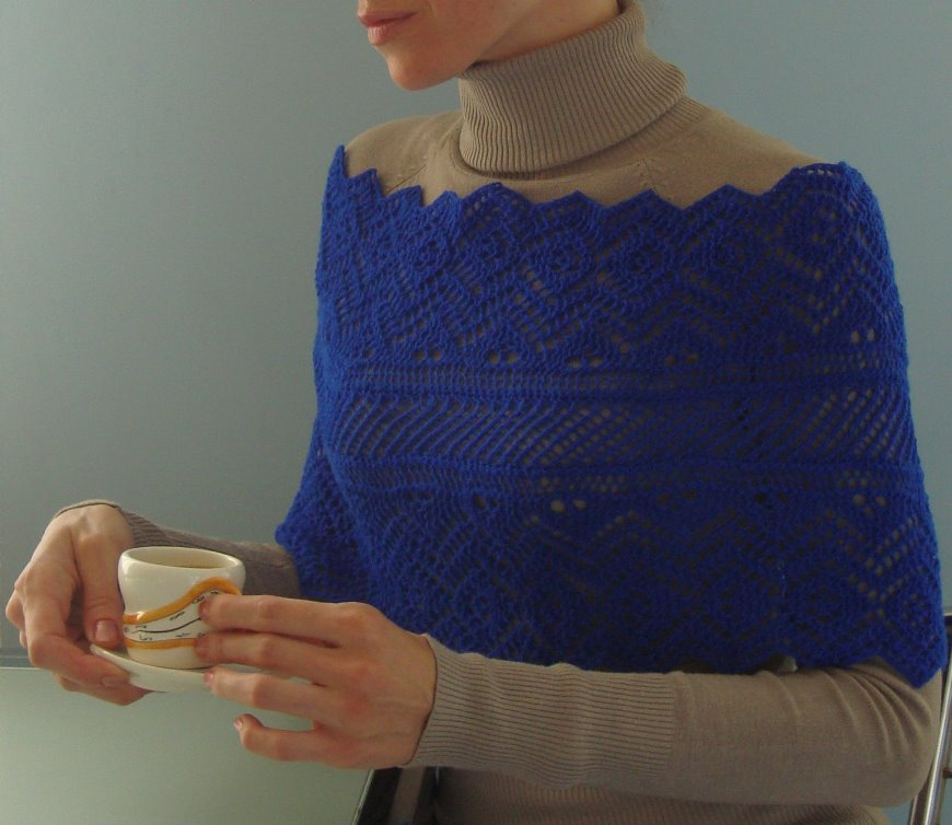 Knit Shoulder Warmer In Shetland Lace Technique Pattern