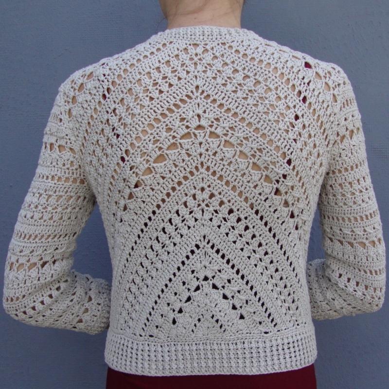 Geometry in crochet – Jacket with triangle –PATTERN
