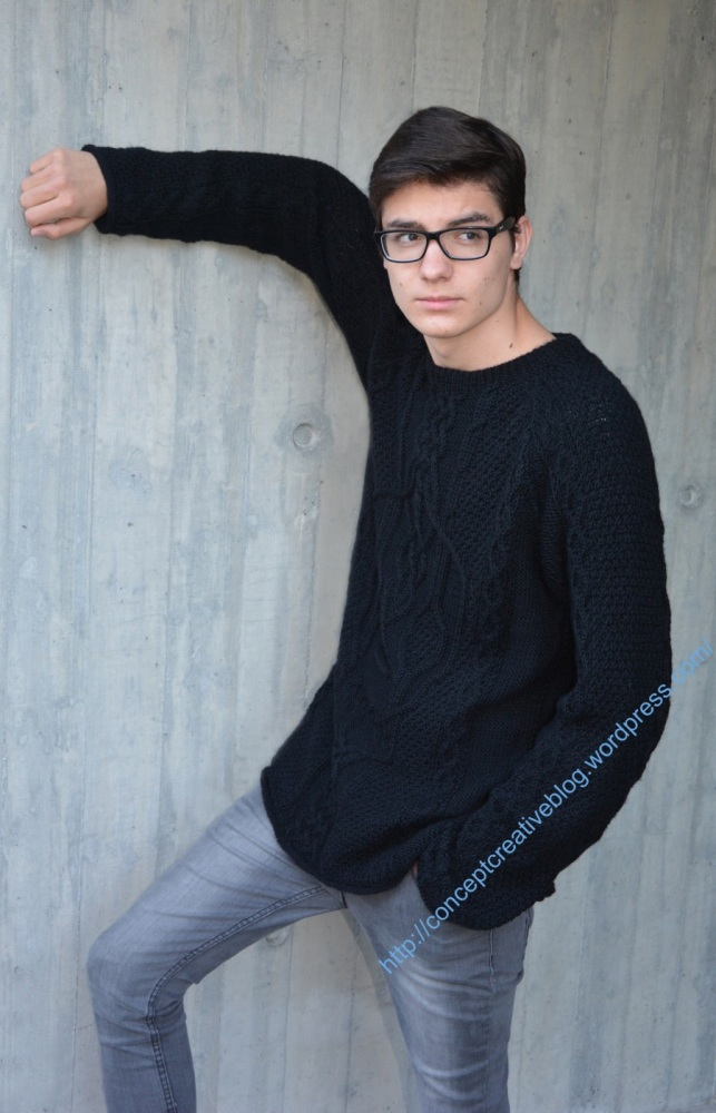 Knit cable pullover with skull pattern / free diagram (3/6)