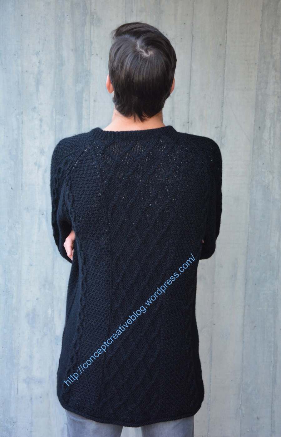 Knit cable pullover with skull pattern / free diagram