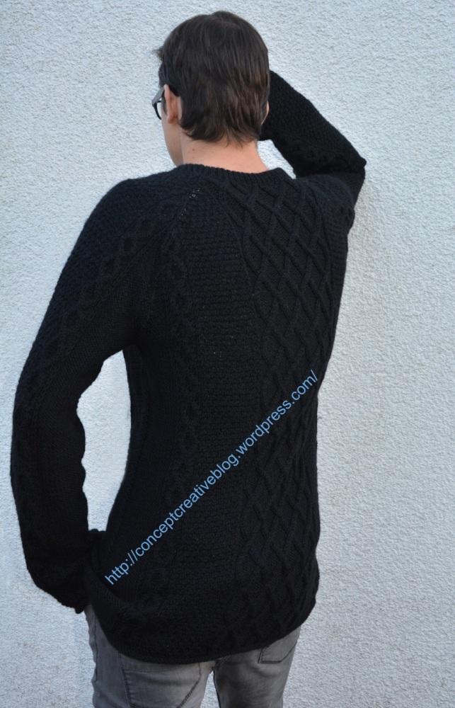Knit cable pullover with skull pattern / free diagram (4/6)