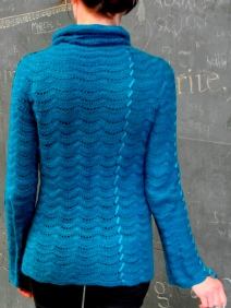 Crochet pullover pattern for sizes US (4-6-10-12-16-18-22-24), UK (8-10-14-16-20-22-26-28), Europe (36-38-42-44-48-50-54-56).