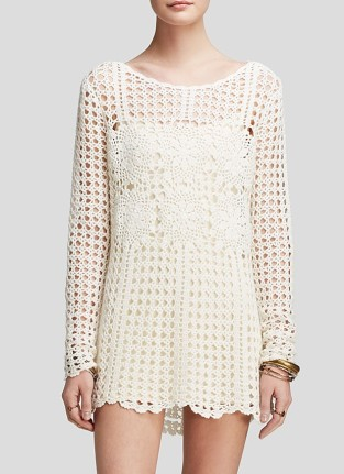 Crochet tunic pattern - This open back garment will be a great evening hit. You can style it with straight-cut trousers for a contemporary look or with a short slip dress to show off your beautiful legs.