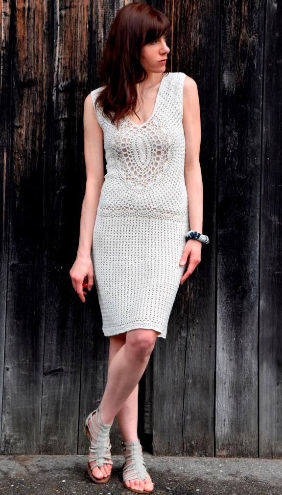 Crochet dress with oval motifs –PATTERN