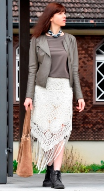 Crochet skirt pattern. Boho style is very trendy – you can count on this beautiful skirt with asymmetric hem to keep your look cool.