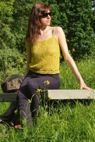 Yellow knit free pattern