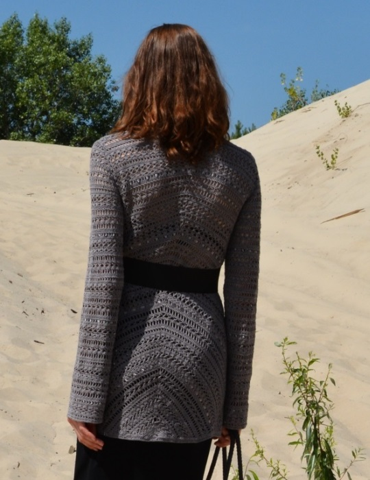 Diagonal jacket with triangle pattern in theback